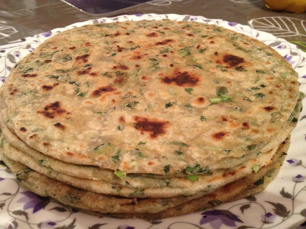 Methi_Paratha_by_Fatima.jpg